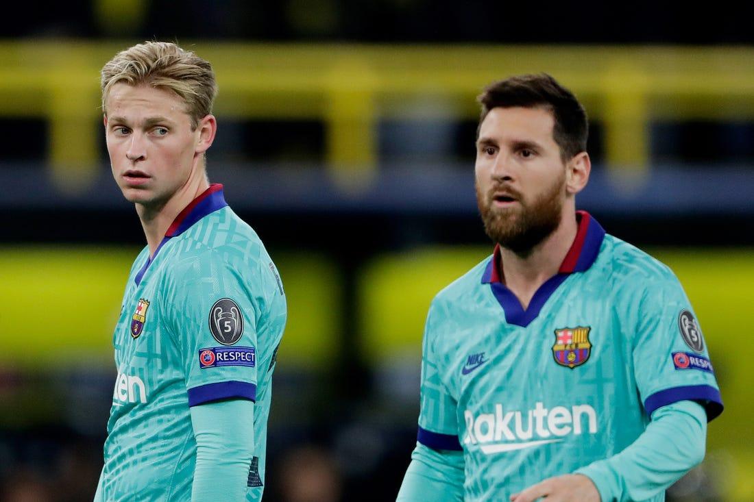 Frenkie-de-Jong-with-Messi