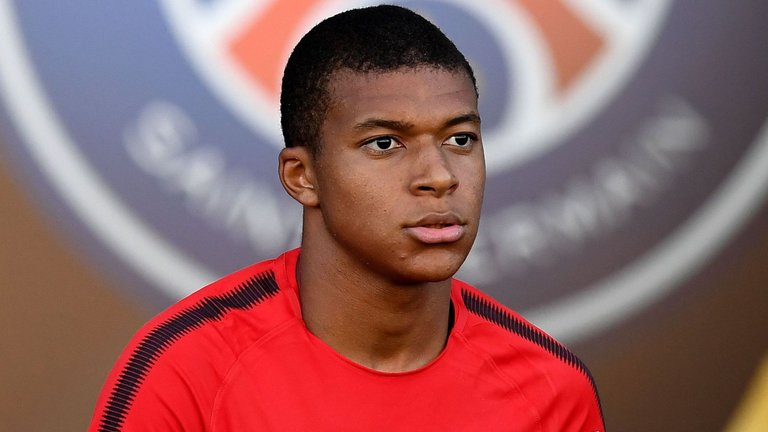 Kylian Mbappe Hairstyles2