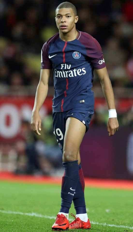 Kylian Mbappe Hairstyles3