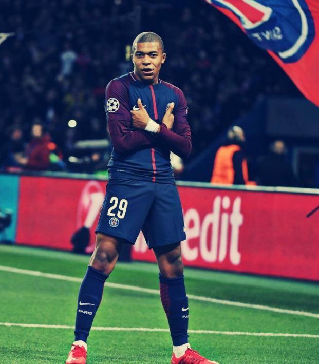 Kylian Mbappe Hairstyles4