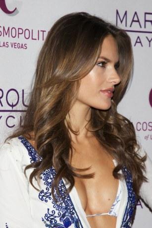 alessandra-ambrosio-hairstyle-24