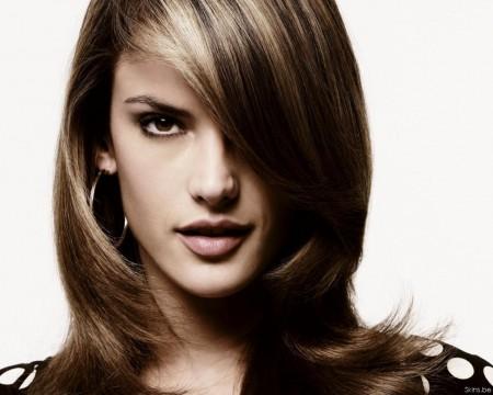 alessandra-ambrosio-hairstyle-28