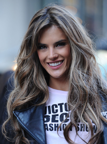 alessandra-ambrosio-hairstyle-long-layered