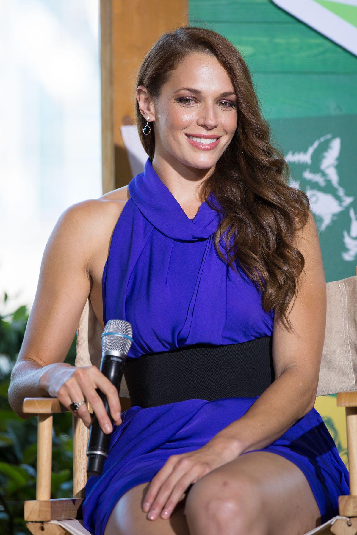 Amanda Righetti Hairstyles3