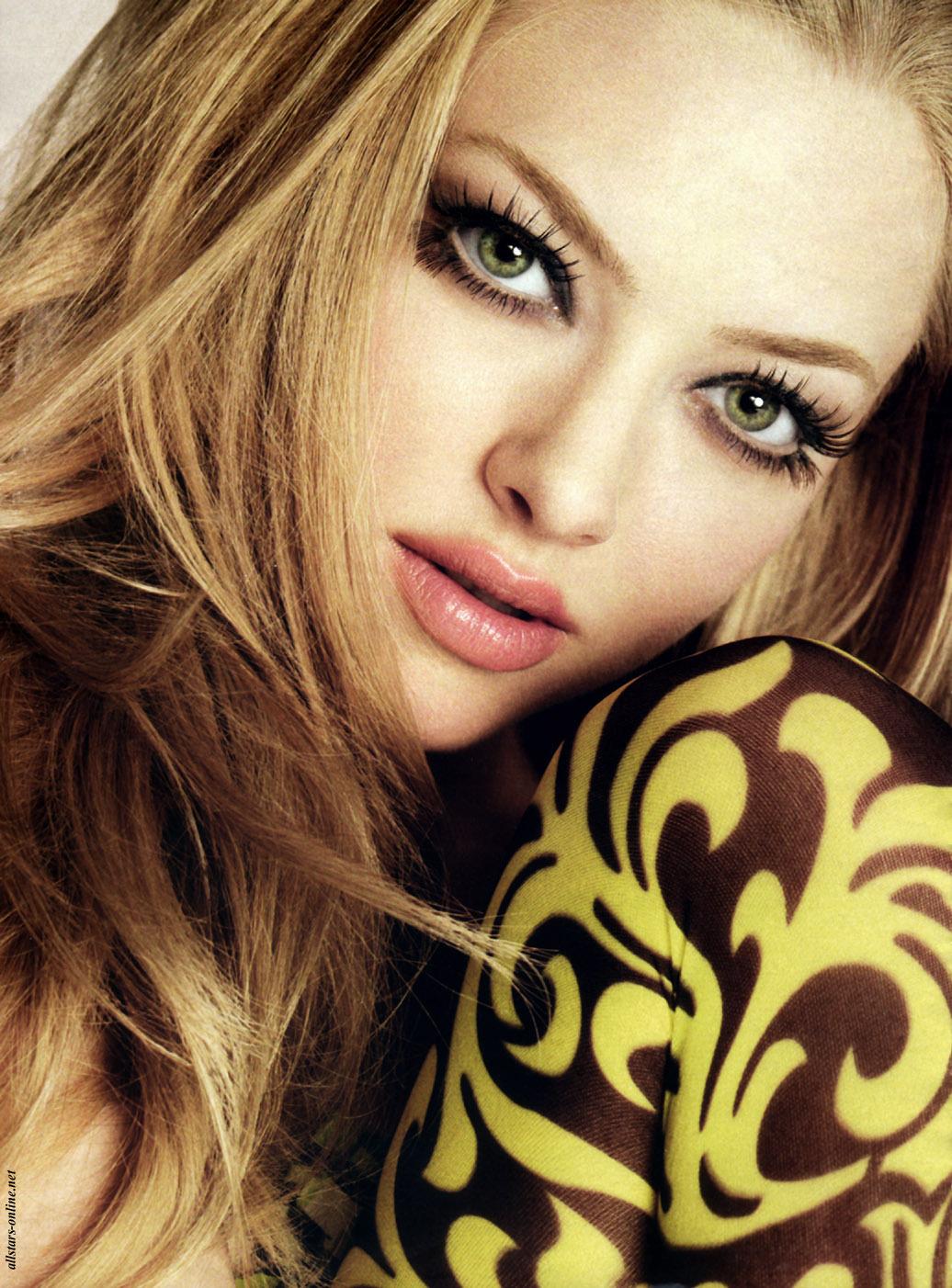amanda-seyfried-beautiful-lips