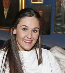 Anna Rasmussen Hairstyles2