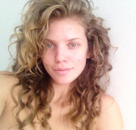 annalynne-mccord-hairstyles4