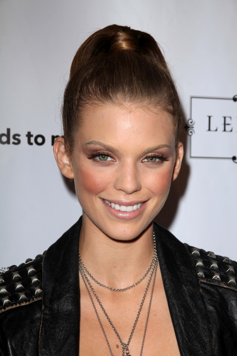annalynne-mccord-latest-wallpapers