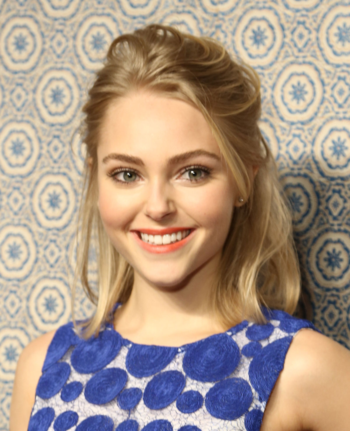 ANNASOPHIA ROBB at Alice + Olivia by Stacey Bendet Fall 2013 Fashion Show in New York