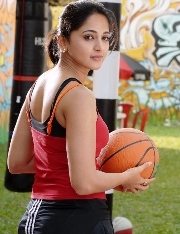 Anushka Shetty Haircuts1