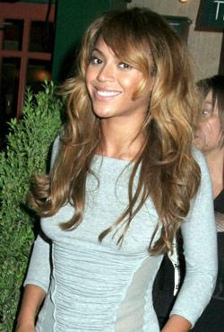beyonce-hair-style-wavy