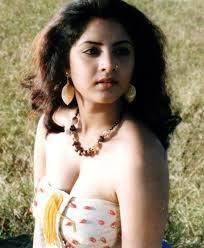 divya-bharati-haircuts5