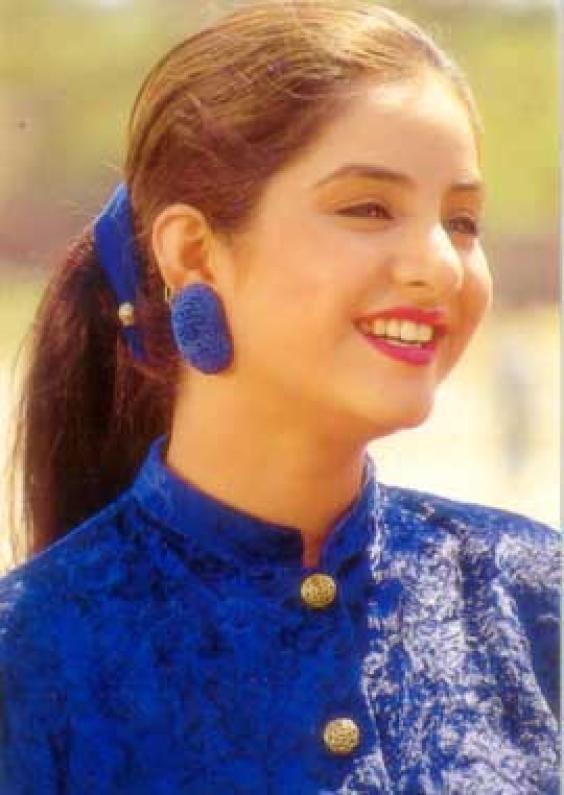 divya-bharati-hairstyles1
