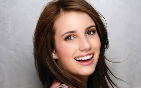 emma-roberts-beautiful-smile
