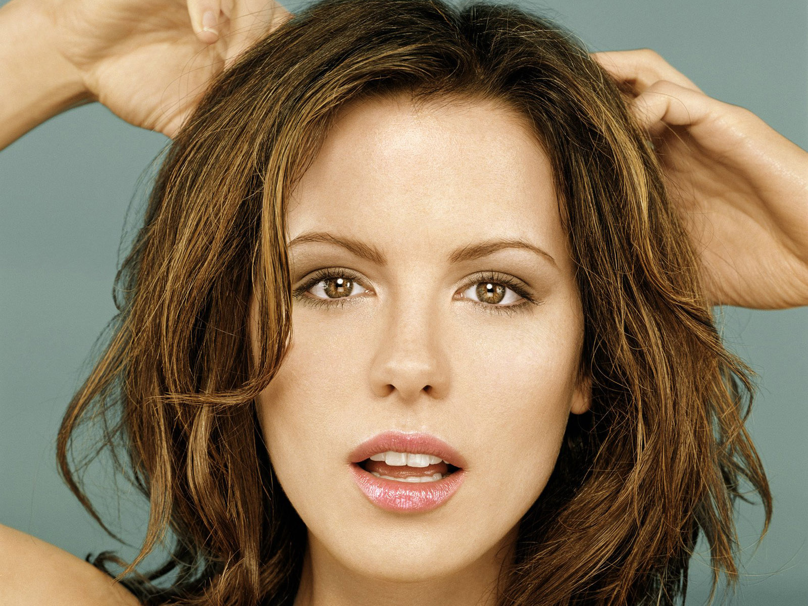 kate-beckinsale-hairstyles4