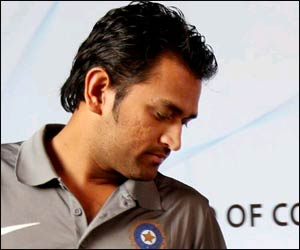 mahendra-singh-dhoni-haircuts2