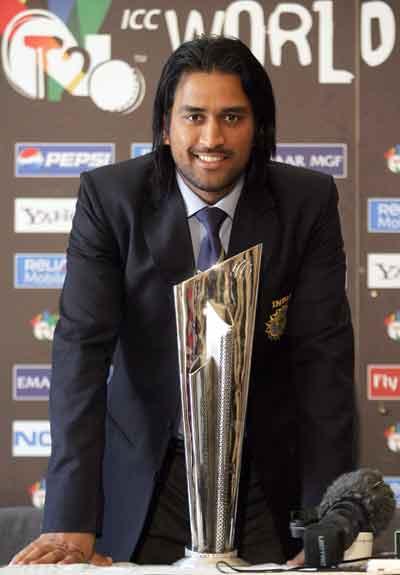 mahendra-singh-dhoni-long-haircuts4