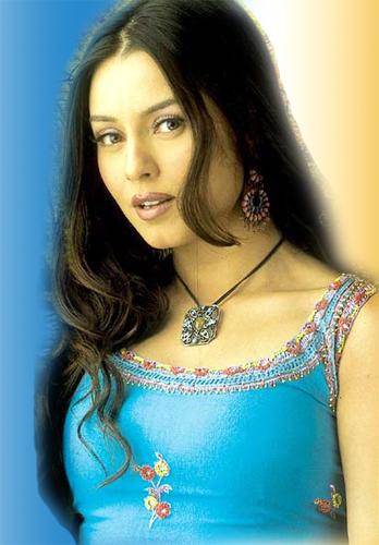 mahima-chaudhary-hairstyles3
