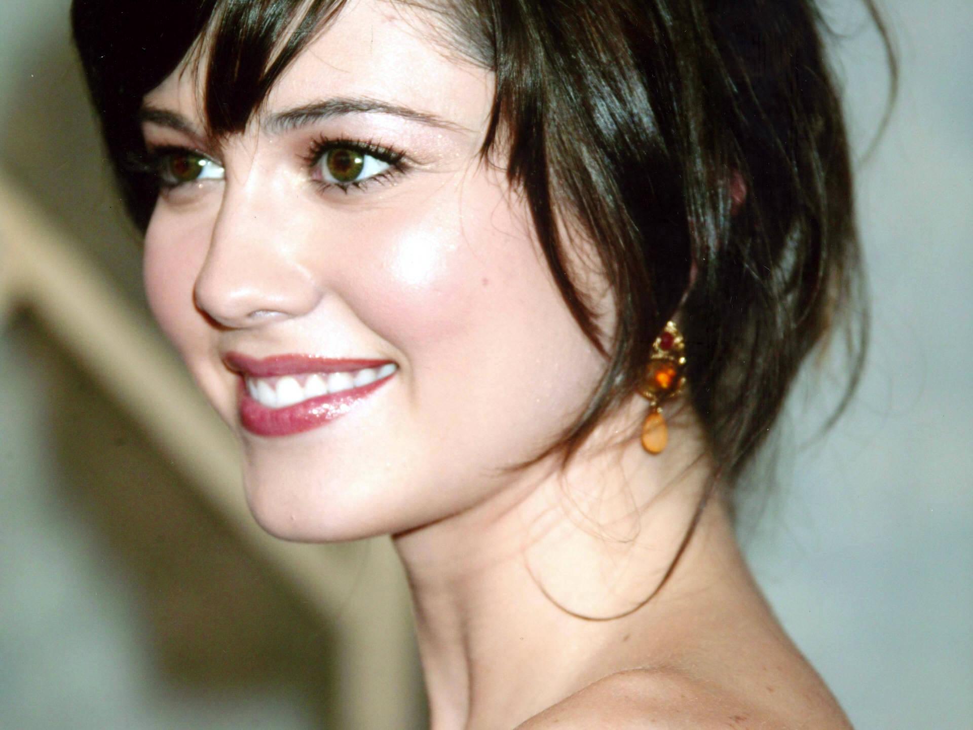 mary-elizabeth-winstead-smile