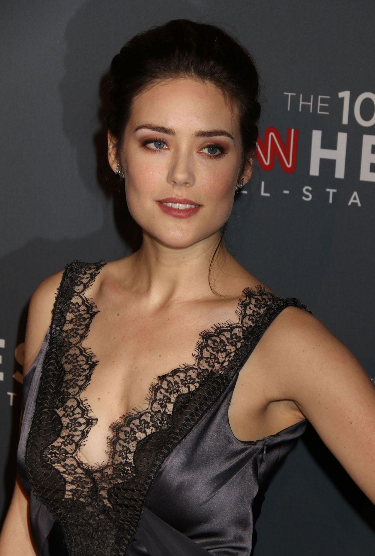 Megan Boone Hairstyle
