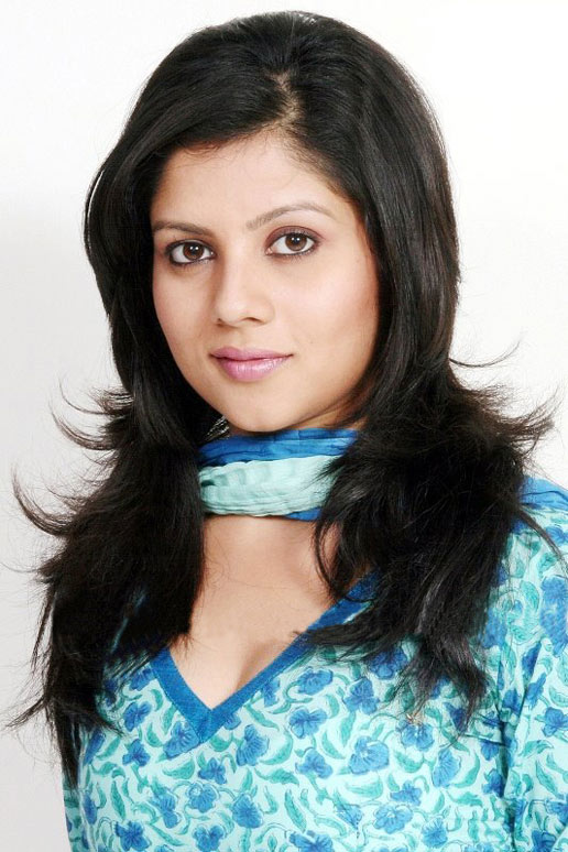 payal-sarkar-hairstyles2