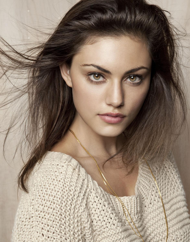 phoebe-tonkin-hairstyles2