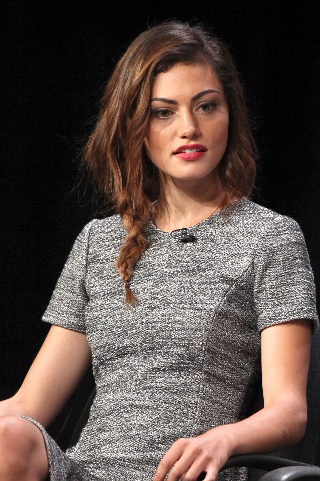 BEVERLY HILLS, CA - JULY 30:  Actress Phoebe Tonkin of the TV show