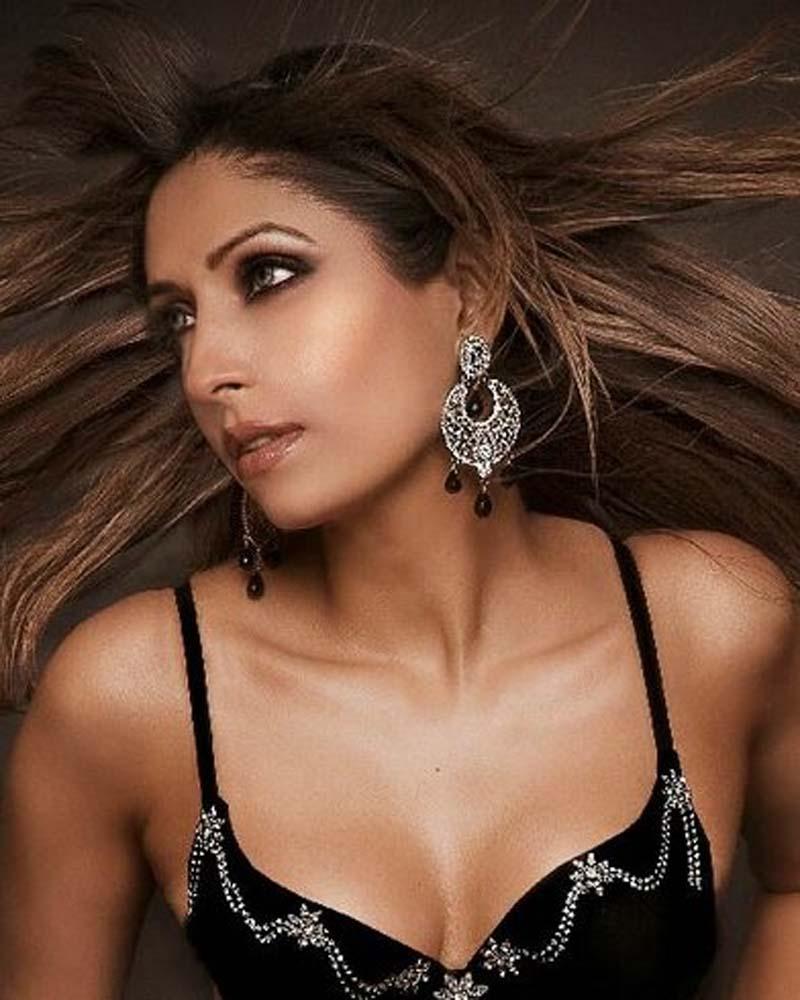 pooja-mishra-hairstyle