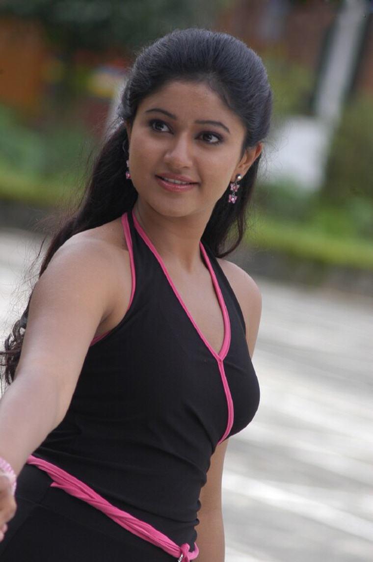 poonam-bhajwa-haircuts1