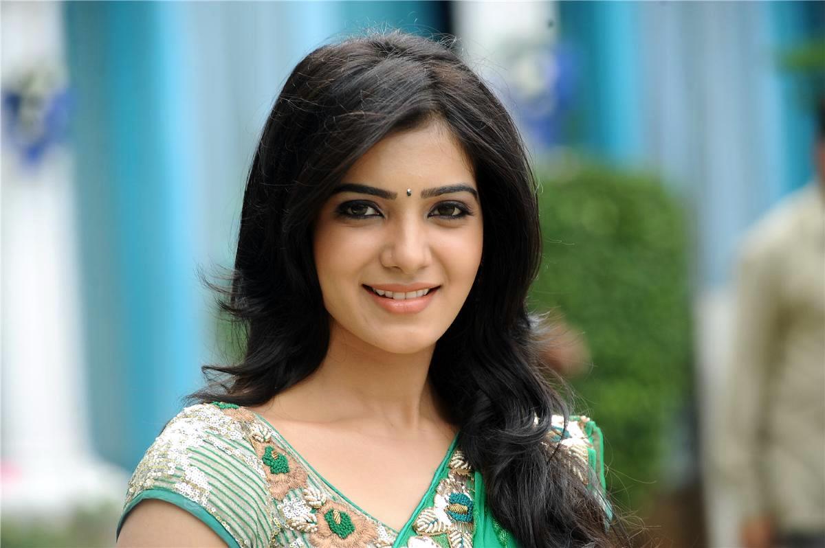 samantha-cute-smile