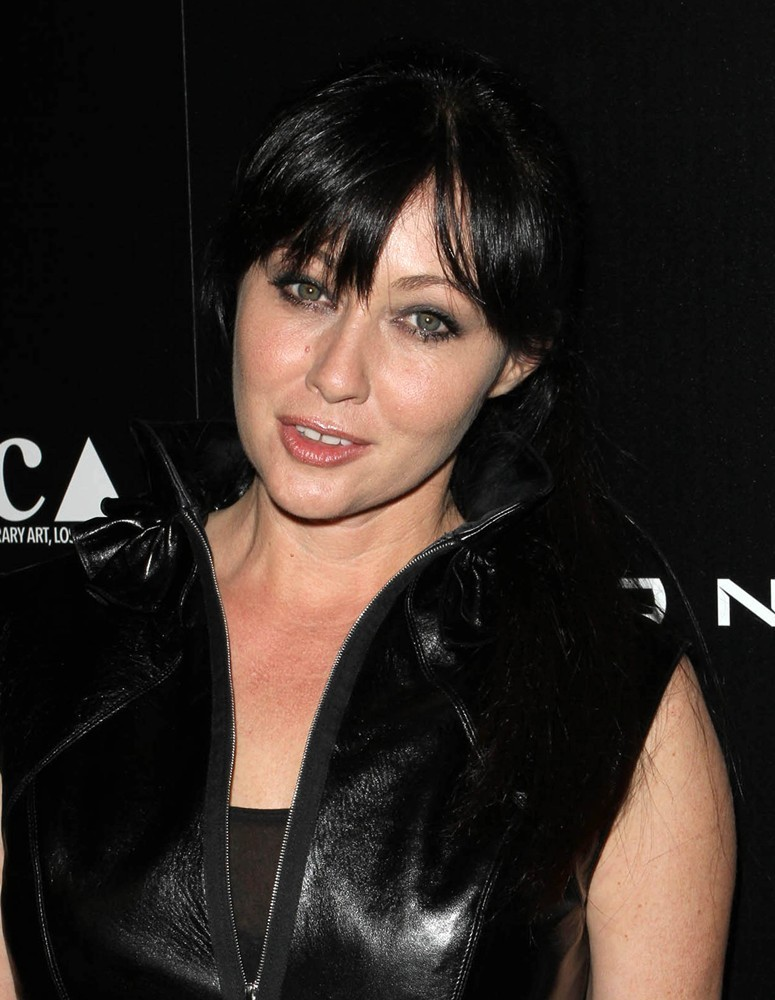 Shannen Doherty new Haircuts 2017