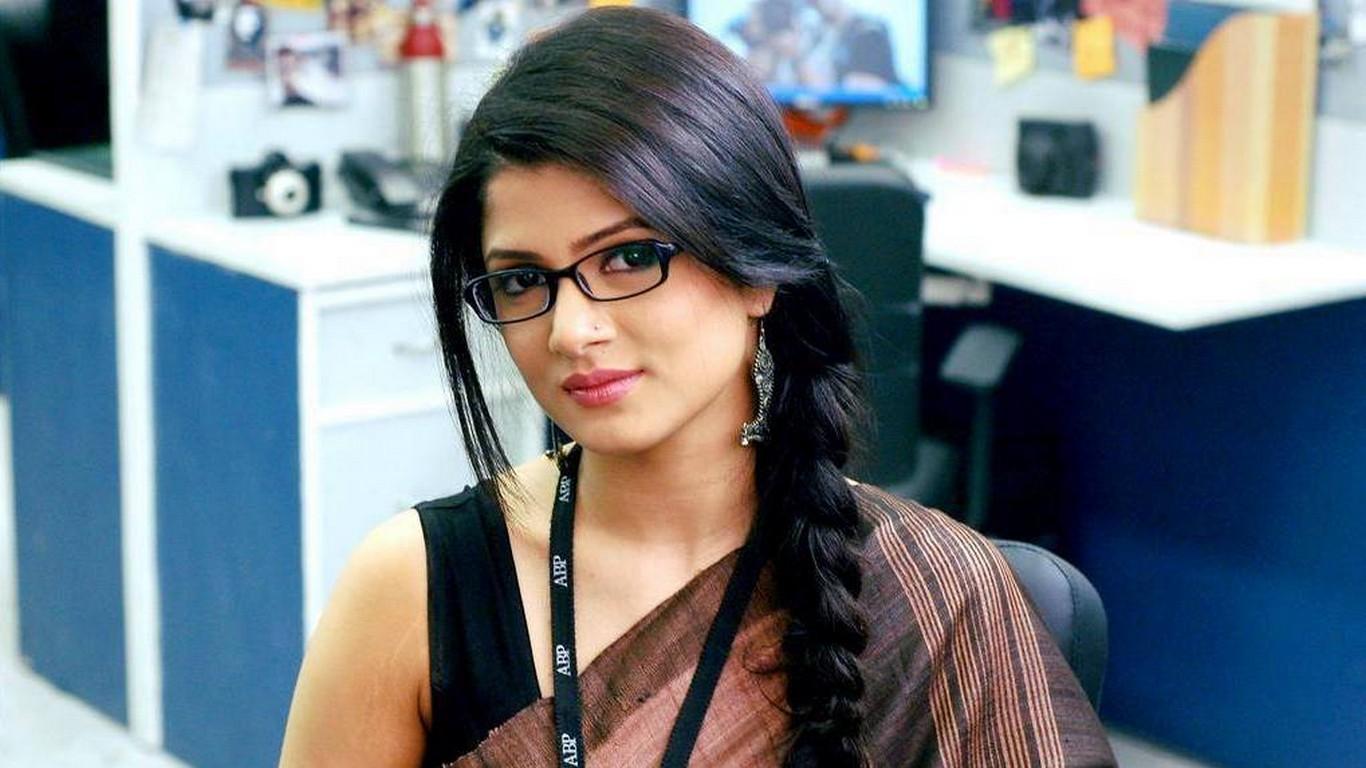 Srabanti Chatterjee Haircuts1