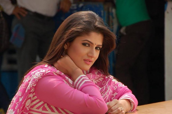 Srabanti Chatterjee photos