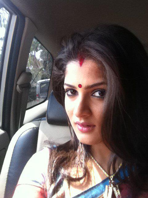 srabanti-chatterjee-hairstyles14