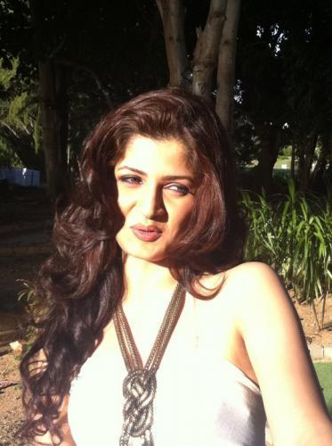 srabanti-chatterjee-hairstyles5