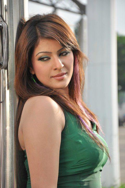 bangladeshi-model-actress-srabosri-dutta-tinni-1