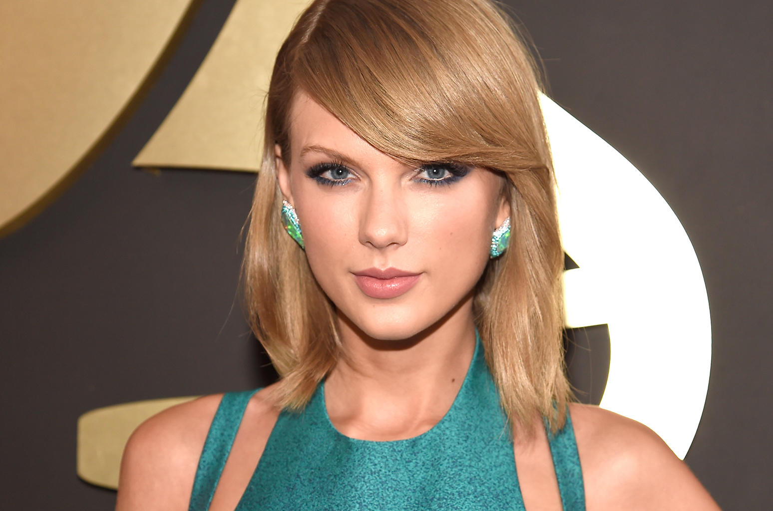 Taylor-Swift-haircuts